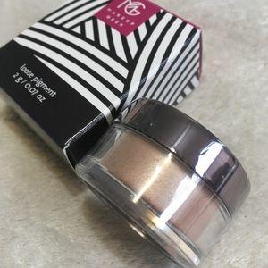 Makeup Geek Loose Pigment Eyeshadow Sweet Dreams